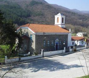 Δύο Θείες Λειτουργίες στον Ιερό Ναό Αγίου Νικολάου την Κυριακή