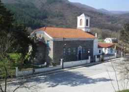 Λατρευτικές ακολουθίες στον Ιερό Ναό Αγίου Νικολάου Φλώρινας