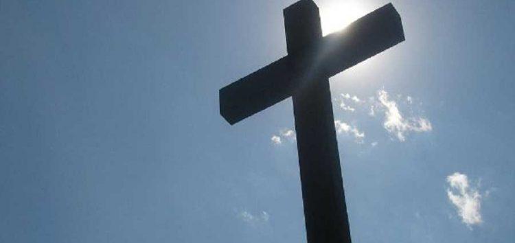 Η εκκλησία κινδυνεύει… ψάχνει σωτήρες!