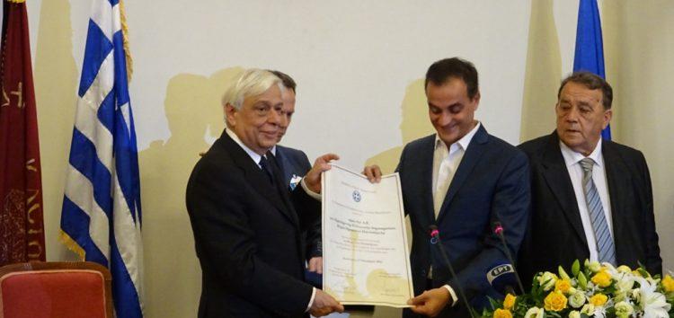Τελετή απονομής του θυρεού της Δυτικής Μακεδονίας στον Πρόεδρο της Δημοκρατίας από το Περιφερειακό Συμβούλιο (video, pics)
