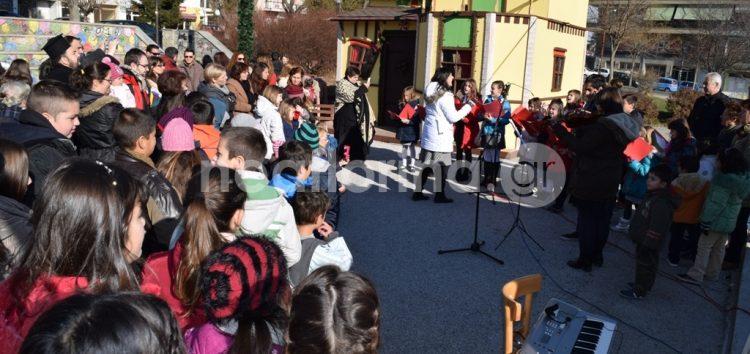 Χριστουγεννιάτικη γιορτή από το Κέντρο Νεότητας της Μητρόπολης (video, pics)