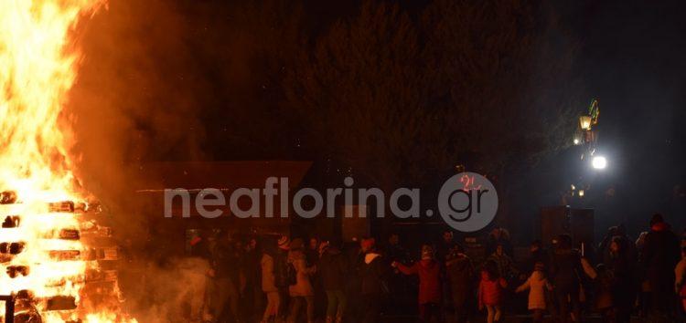 Η μικρή φωτιά της πλατείας Ηρώων (video, pics)