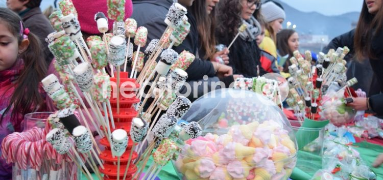 Η γιορτή ζαχαρωτών στο Ξύλινο Χωριό (video, pics)