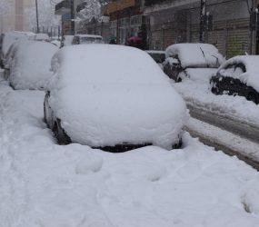Ισχυρή χιονόπτωση και πολλά προβλήματα στη Φλώρινα (pics)