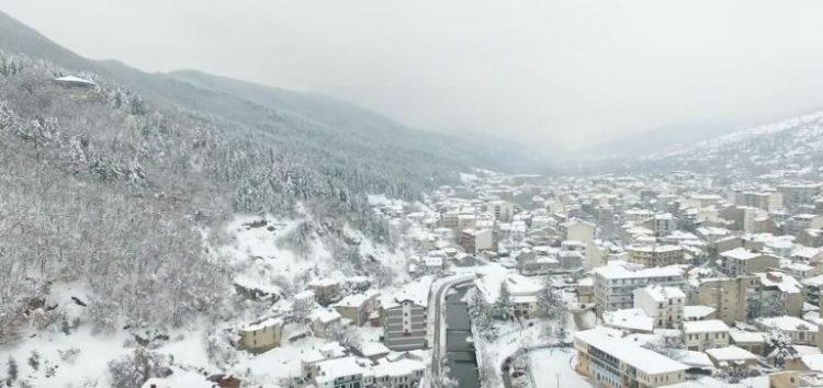 Η χιονισμένη Φλώρινα από ψηλά (video)