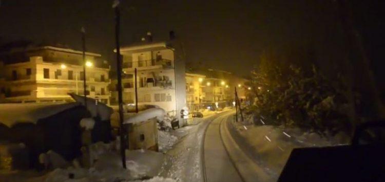 Η αναχώρηση του τρένου από τη χιονισμένη Φλώρινα (video)