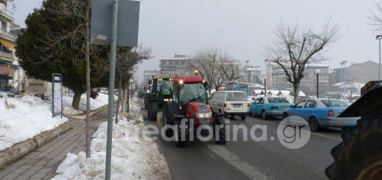 Οι αγρότες του μπλόκου Μανιακίου στη Φλώρινα και στο τελωνείο της Νίκης (video)