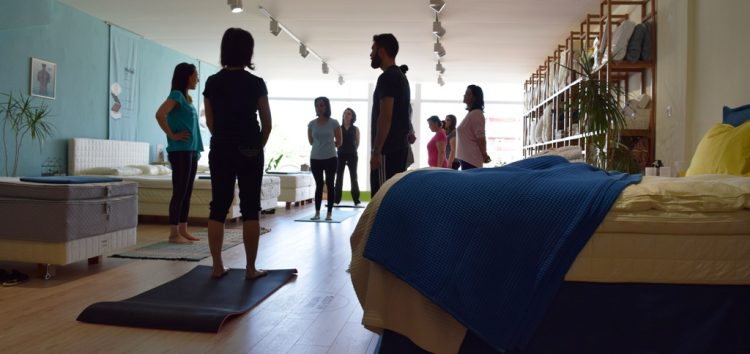 Ανοιχτό μάθημα Vinyasa Flow Yoga με τη Νατάσα Μουρατίδου στην COCO-MAT Φλώρινας (pics)