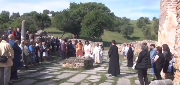 Θεία Λειτουργία στον Άγιο Αχίλλειο Πρεσπών (video)