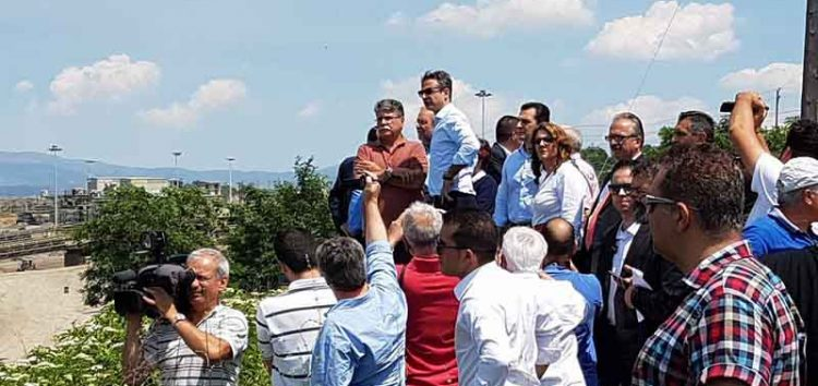 Διερεύνηση των αιτιών της κατολίσθησης και άμεση μετεγκατάσταση των Αναργύρων ζήτησε ο Κυριάκος Μητσοτάκης (pics)