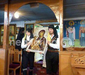 Η υποδοχή της ιερής εικόνας της Παναγίας της Θεραπεύτριας στον Τροπαιούχο (video, pics)