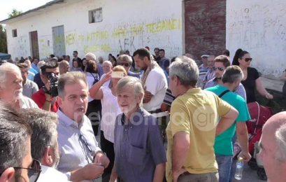 Έντονες διαμαρτυρίες των κατοίκων των Αναργύρων προς τον βουλευτή του ΣΥΡΙΖΑ Κοζάνης Μίμη Δημητριάδη (video)