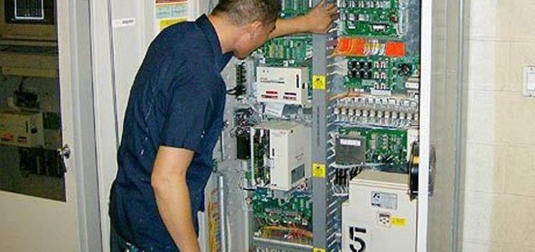 Ζητείται ηλεκτρολόγος για εταιρεία ανελκυστήρων