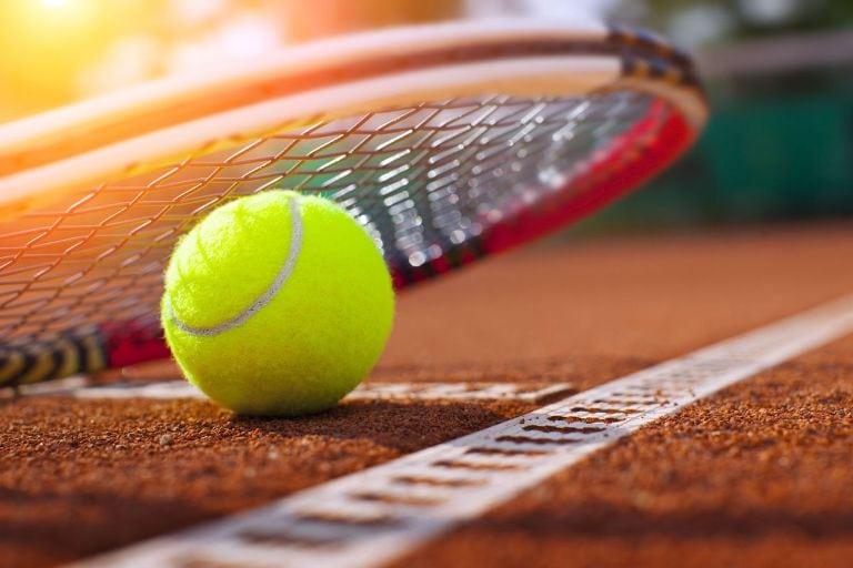 Αποτέλεσμα εικόνας για Μαθήματα τένις για ενήλικες από την Λέσχη Πολιτισμού Φλώρινας