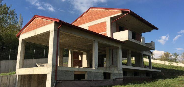 Πωλείται ημιτελής μονοκατοικία στη Φλώρινα (pics)