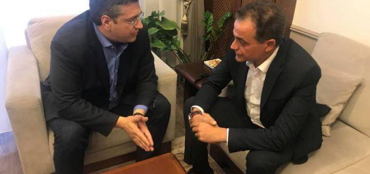 Συνάντηση Τζιτζικώστα – Καρυπίδη: Στο επίκεντρο της συζήτησης η αυριανή κοινή σύσκεψη για το Σκοπιανό (video)