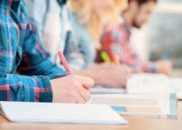 Πτυχιούχος Φιλοσοφικής Σχολής παραδίδει μαθήματα