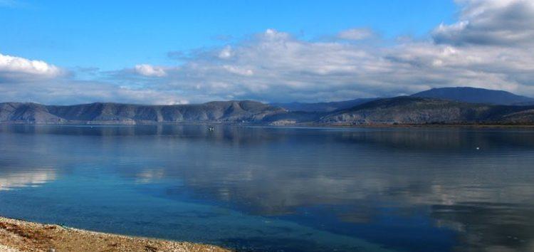 Ενημέρωση της Αποκεντρωμένης Διοίκησης για το φαινόμενο του δυσχρωματισμού στη λίμνη Βεγορίτιδα