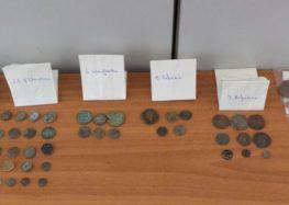 Συνελήφθησαν δύο άτομα στη Φλώρινα για κατοχή 46 αρχαίων νομισμάτων της ελληνιστικής και βυζαντινής περιόδου (pics)