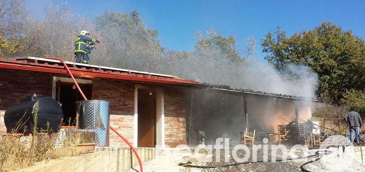 Πυρκαγιά σε αποθήκη μονοκατοικίας στη Φλώρινα (pics)
