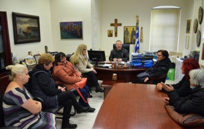 Συνάντηση του δημάρχου Φλώρινας με τις συμβασιούχες καθαρίστριες του δήμου