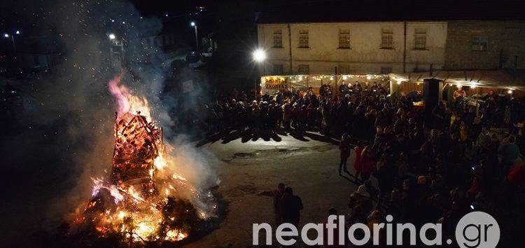 Αναβίωσε στη Σκοπιά το έθιμο του ανάμματος της φωτιάς προς τιμήν επισκεπτών από τη Ρόδο (video, pics)