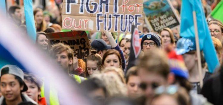 Σήμερα, Παρασκευή, οι νέοι παντού στον κόσμο υπέρ του κλίματος