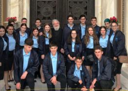 Μαθητές και μαθήτριες του Ελληνικού Σχολείου Αδελαΐδας στη Φλώρινα