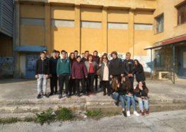 Ξενάγηση και παρουσίαση παραδοσιακών φορεσιών σε μαθητές της Α' λυκείου ΕΠΑΛ από το Λύκειο Ελληνίδων Φλώρινας