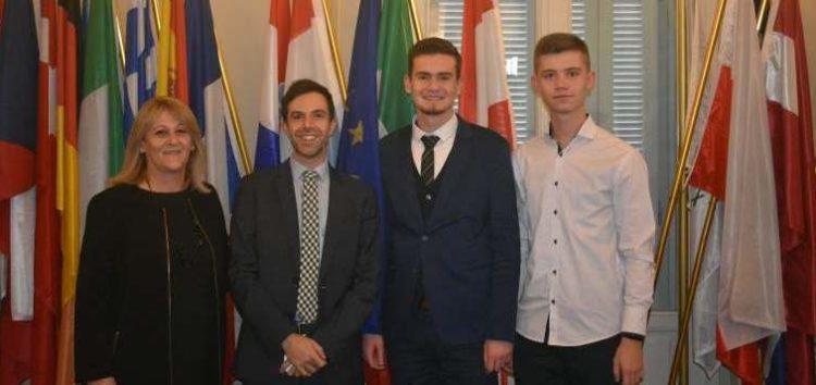 Βράβευση του 2ου ΓΕΛ Φλώρινας από το γραφείο του Ευρωπαϊκού Κοινοβουλίου στην Ελλάδα (pics)