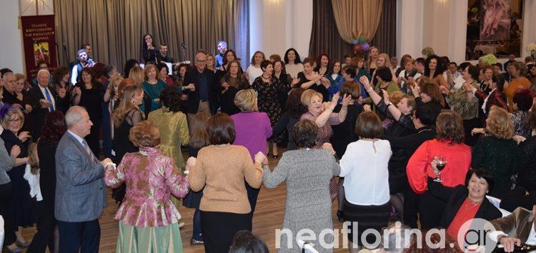 Επιτυχημένος και ο φετινός αποκριάτικος χορός του Συλλόγου Κιουταχειωτών Μικρασιατών Φλώρινας (video, pics)