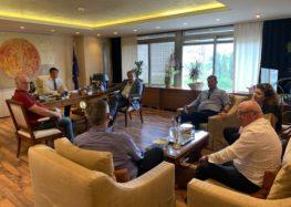 Σε συνάντηση του Άδωνι Γεωργιάδη με τους ξενοδόχους συμμετείχε ο βουλευτής Γιάννης Αντωνιάδης