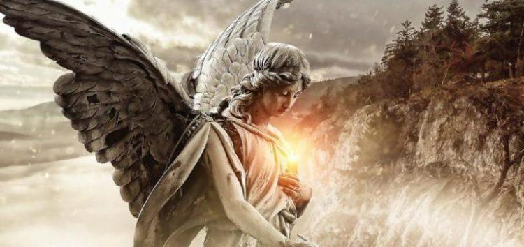 Ένας  Άγγελος θρηνούσε (ένας Άγγελος πονούσε)