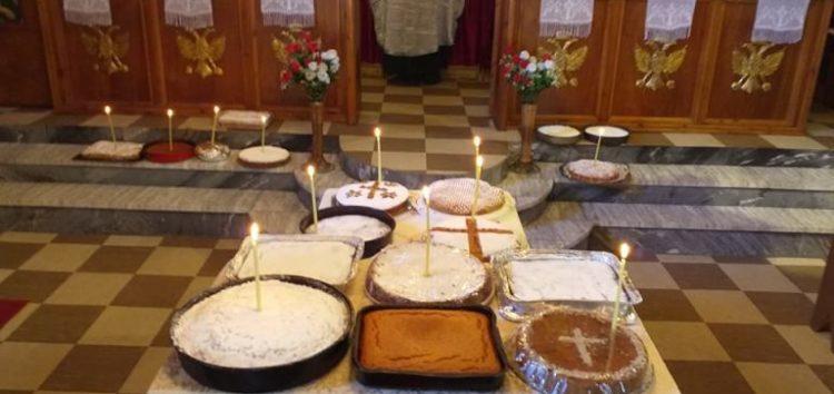 Πανηγυρικός εσπερινός για την εορτή του Αγίου Φανουρίου στον Ι.Ν. Αγίου Χαράλαμπους Αχλάδας (pics)