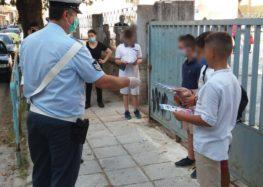 Ενημερωτικά φυλλάδια διανεμήθηκαν από αστυνομικούς σε γονείς και μαθητές δημοτικών σχολείων, εν όψει της νέας σχολικής περιόδου