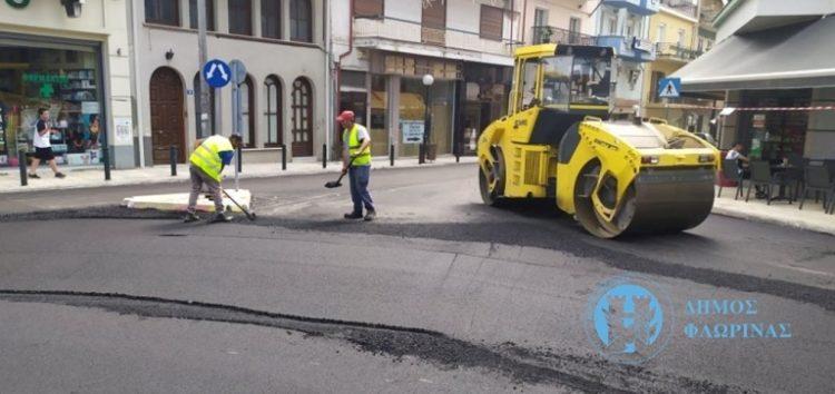 Προχωρούν οι εργασίες ασφαλτοστρώσεων στην πόλη της Φλώρινας