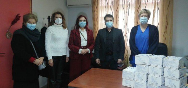 Το Λύκειο Ελληνίδων Φλώρινας παρέδωσε στο Νοσοκομείο Φλώρινας 700 μάσκες για τις ανάγκες του προσωπικού
