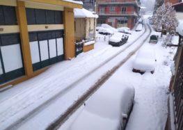 Συνεχίζεται η χιονόπτωση στην Π.Ε. Φλώρινας – Παραμένουν οι χαμηλές θερμοκρασίες (pics)