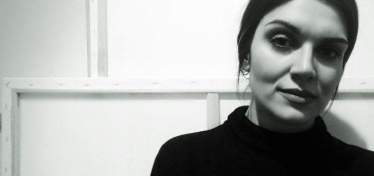 Χριστίνα Σαββάκη: «Απολαμβάνω τη δημιουργία των έργων μου με το να δοκιμάζω, να αλλάζω, να πειραματίζομαι»