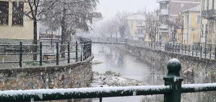 Εαρινή ισημερία με… πυκνή χιονόπτωση στη Φλώρινα (pics)