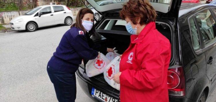 Διανομή ειδών πρώτης ανάγκης σε οικογένειες από τον Ερυθρό Σταυρό Φλώρινας (pics)