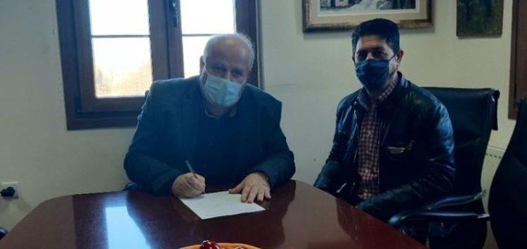 Δήμος Πρεσπών: Υπογραφή σύμβασης για την προμήθεια δύο καινούριων διπλοκάμπινων ημιφορτηγών οχημάτων