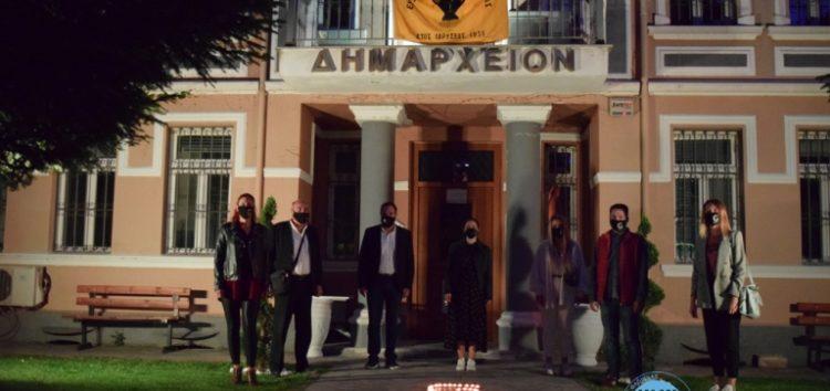Φωταγώγηση του Δημαρχείου Φλώρινας για την Ημέρα Μνήμης της Γενοκτονίας των Ελλήνων του Πόντου
