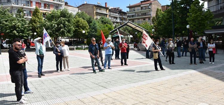 Η απεργιακή συγκέντρωση του ΠΑΜΕ στην κεντρική πλατεία της Φλώρινας (pics)