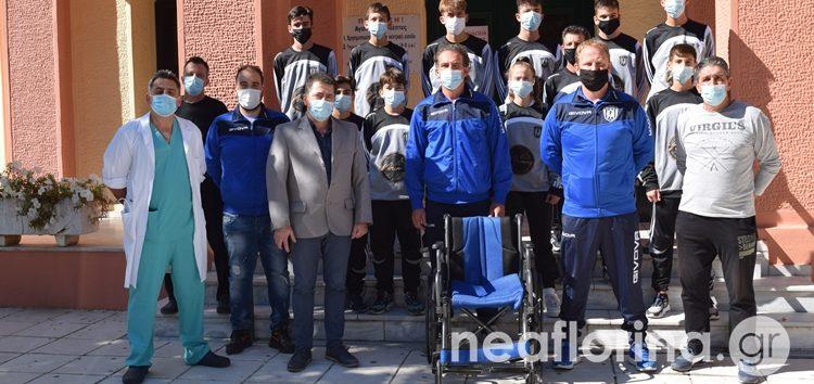Δωρεά ενός αναπηρικού αμαξιδίου από την Ακαδημία «Ελπίδες» στο Νοσοκομείο Φλώρινας (video, pics)