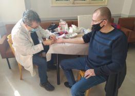 Δεκάδες πολίτες συμμετείχαν στην εθελοντική αιμοδοσία που διοργάνωσαν ο Δήμος Φλώρινας και ο Ελληνικός Ερυθρός Σταυρός